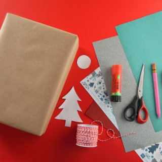How to Decorate Christmas Gifts Originally