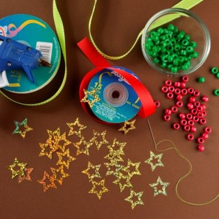 How to make a pine ornament for the Christmas tree