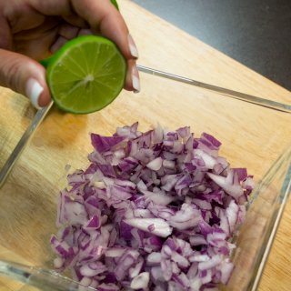 prepare purple onionHow to flake the purple onion to make it richer