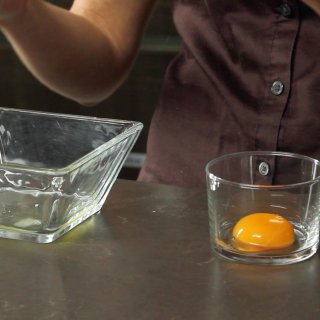 How to separate the yolk from the egg white