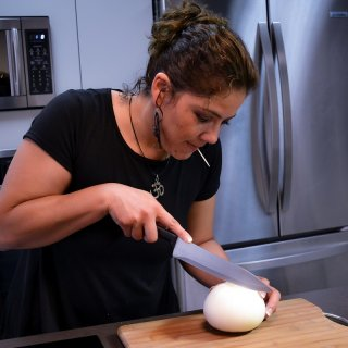 How to avoid crying when we chop onions