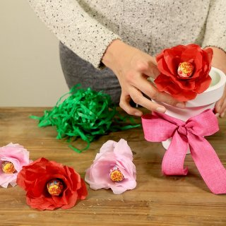 How to make a bouquet of paper roses